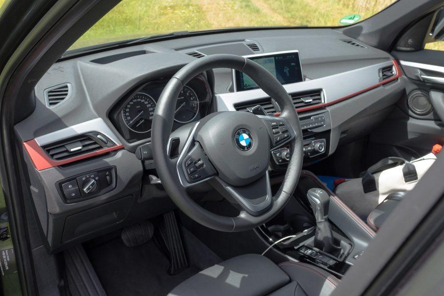 Bmw x1perience testfahrt mit dem 2015 bmw x1 for Innenraum design app
