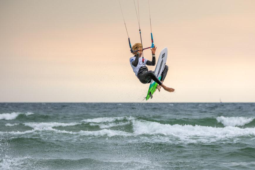 Kitesurfer Matchu Lopes beim Sprung