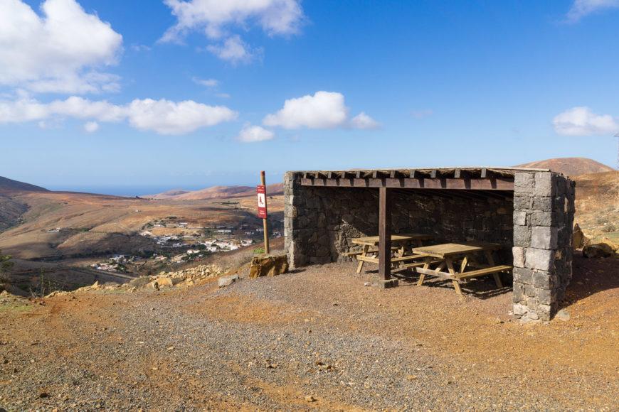 Rastplatz / Schutzhütte auf dem Pass Degollada de Marrubio